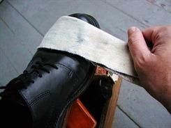 Bí quyết bảo quản giày da nam mùa đông