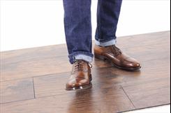 Cách mix giày da nam phù hợp với Jeans