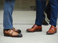 """Mọi quý ông đều cần phải có ít nhất một đôi giày """"đắt xắt ra miếng"""""""