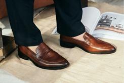 Kinh nghiệm lựa chọn và bảo quản giày tây hàng hiệu quý ông nên biết
